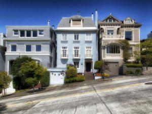 californie-san-francisco-maisons-rue-en-pente-533x400